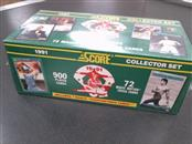 SCORE Sports Memorabilia 900 PLAYER CARDS
